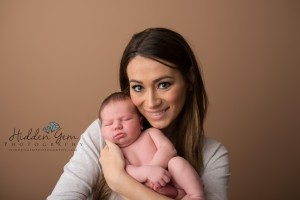 mommy and newborn pose